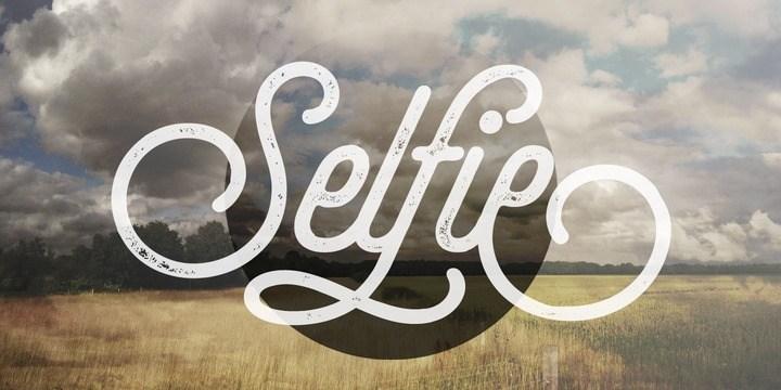 Free Selfie Font Family
